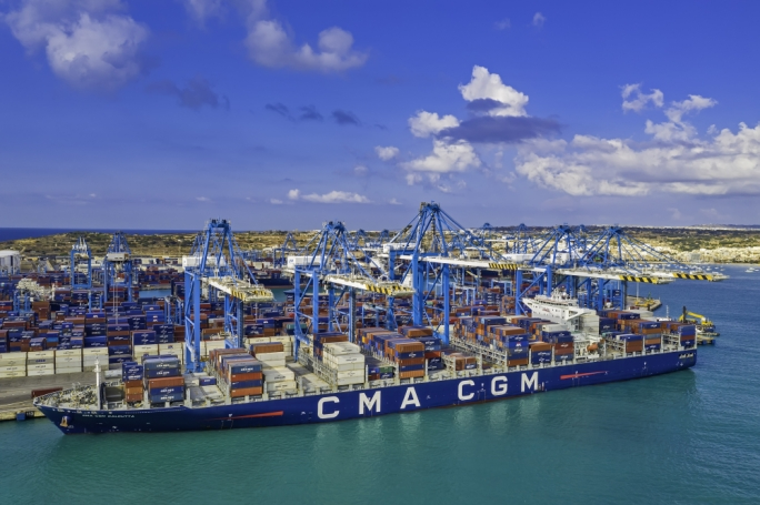 Malta Freeport completes 9,000 container moves on single vessel