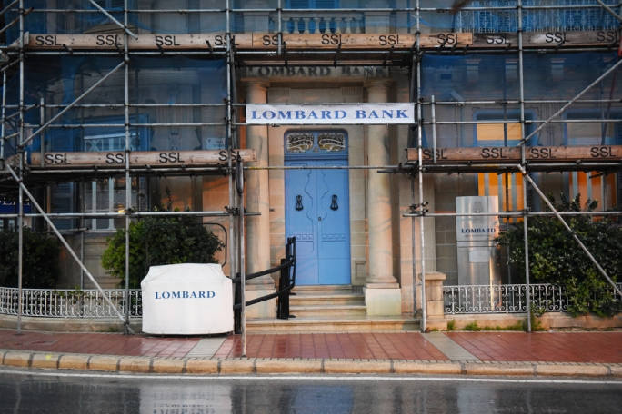 Lombard Bank has 1,413 shareholders