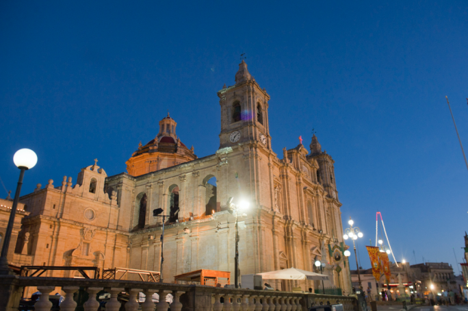 Explore the architectural elegance and cultural heritage of one of Malta's oldest cities